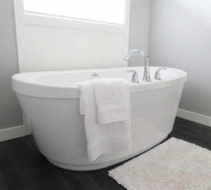 Badewanne Immobiliengutachter Melanie C. Weinz
